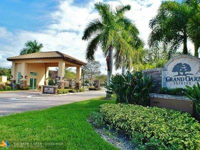 Davie Single Family Home For Sale: 12402 Grand Oaks Dr