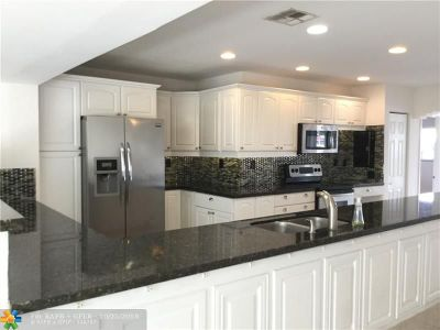 Oakland Park Single Family Home Backup Contract-Call LA: 380 NE 43rd Ct