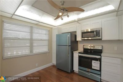 Broward County Condo/Townhouse For Sale: 3003 Portofino Isle #B2