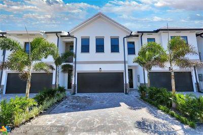 Fort Lauderdale Condo/Townhouse For Sale: 4526 E Aqua Bella Lane #50