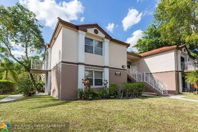 Pembroke Pines Condo/Townhouse For Sale: 11201 SW 13th St #101