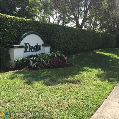 Margate Condo/Townhouse For Sale: 5469 Gala Ct #58