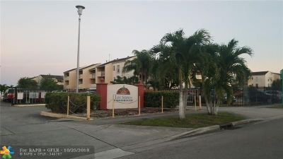 Hialeah Condo/Townhouse For Sale: 6095 W 18th Ave #S323