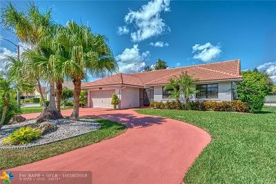 Tamarac Single Family Home For Sale: 8017 NW 72nd St