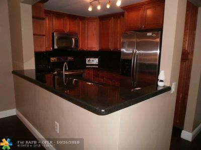 Pompano Beach FL Condo/Townhouse For Sale: $119,900