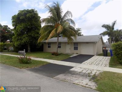 North Lauderdale Single Family Home For Sale: 8141 SW 5th St