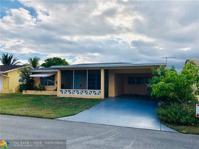 Tamarac Single Family Home For Sale: 5903 NW 68th Ave