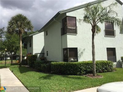 Coconut Creek Condo/Townhouse For Sale: 4001 Carambola Circle N #29102