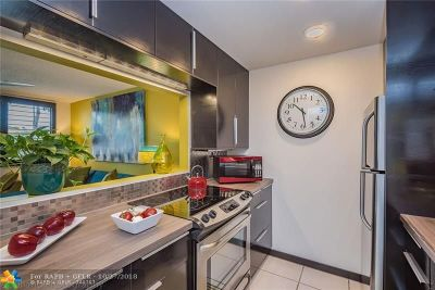 Wilton Manors Condo/Townhouse For Sale: 1901 N Andrews Ave #122