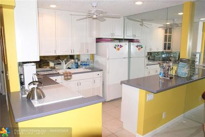 Fort Lauderdale Condo/Townhouse For Sale: 6511 Bay Club Dr #3