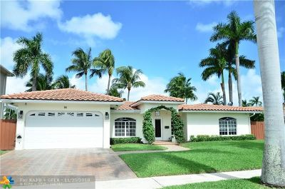 Boca Raton Single Family Home For Sale: 811 NE 69th St