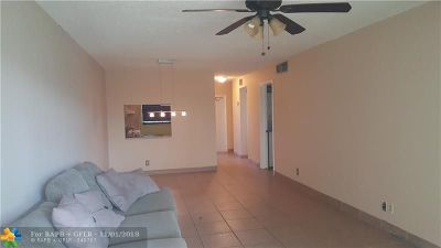 Plantation Condo/Townhouse For Sale: 1801 NW 75th Ave #304