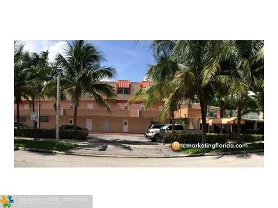 North Miami Beach Condo/Townhouse For Sale: 3745 NE 171st St #55