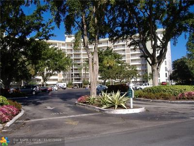 Pompano Beach Condo/Townhouse For Sale: 3051 N Course Dr #402
