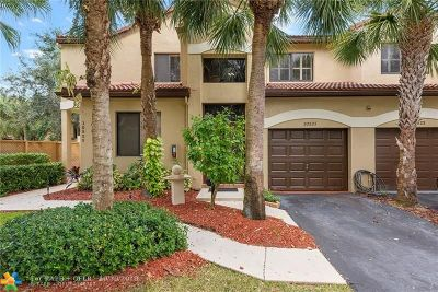 Plantation Condo/Townhouse For Sale: 10521 NW 10th St #C-131