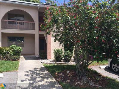 Coconut Creek Condo/Townhouse For Sale: 1210 Bahama Bnd #E1