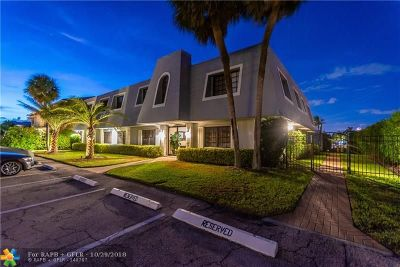 Lighthouse Point Condo/Townhouse For Sale: 2743 NE 28th Ct #1