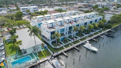 Pompano Beach Condo/Townhouse For Sale: 2733 NE 1st St #2733
