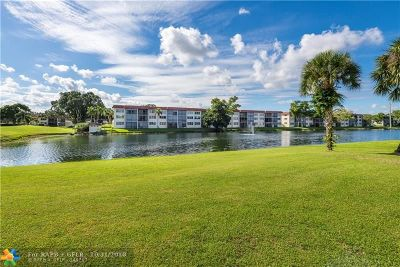 Pembroke Pines Condo/Townhouse For Sale: 311 S Hollybrook Dr #105