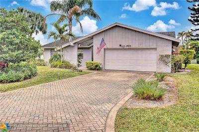 Tamarac Single Family Home For Sale: 7833 Nutmeg Ct
