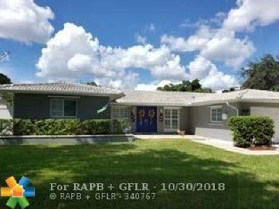 Miami Lakes Single Family Home For Sale: 6901 Silver Oak Dr