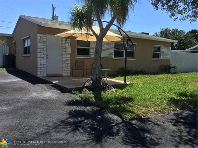 Oakland Park Single Family Home For Sale: 5820 NE 6th Ter