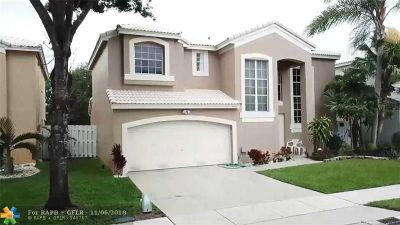 Pembroke Pines Single Family Home For Sale: 978 SW 104th Way
