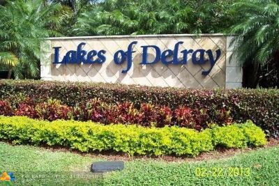 Delray Beach Condo/Townhouse For Sale: 15488 Lakes Of Delray Blvd #105