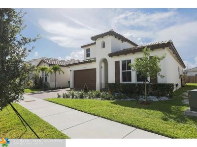 Miami Single Family Home For Sale: 14932 SW 175th St