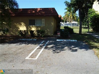 Coral Springs Condo/Townhouse For Sale: 10752 La Placida Dr #A1