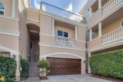 Pompano Beach Condo/Townhouse For Sale: 1768 Bay Dr #1768
