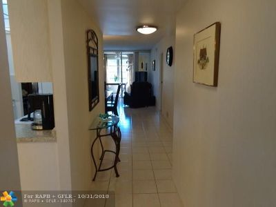 Lauderdale Lakes Condo/Townhouse Backup Contract-Call LA: 2601 NW 48th Ter #441