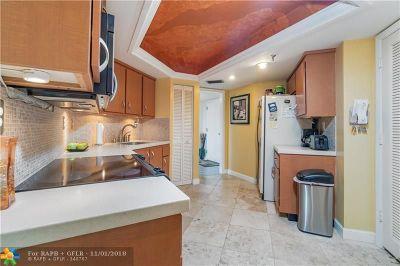 Boca Raton Condo/Townhouse For Sale: 6463 La Costa Dr #604