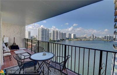 Sunny Isles Beach Condo/Townhouse For Sale: 301 174th St #1901