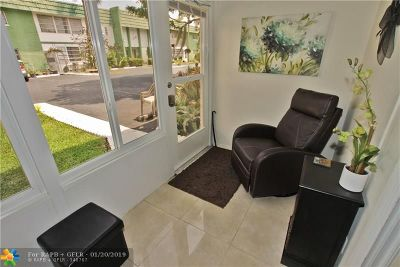 Lauderhill Condo/Townhouse For Sale: 4841 NW 22nd Ct #105
