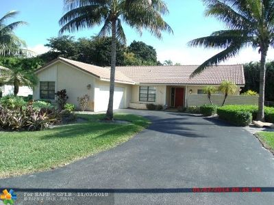 Coral Springs Single Family Home For Sale: 10026 NW 3rd Pl