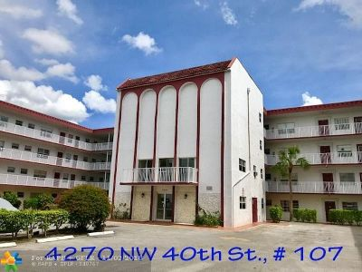 Lauderdale Lakes Condo/Townhouse For Sale: 4270 NW 40th St #107