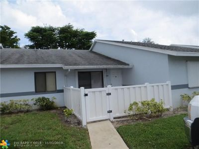 West Palm Beach Condo/Townhouse For Sale: 2641 W Gately Dr W #206