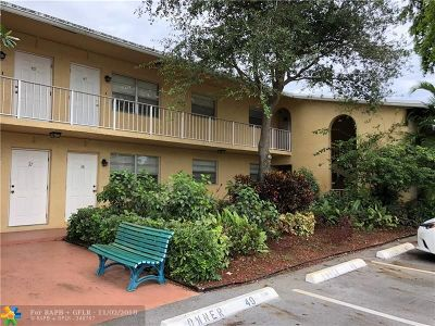 Wilton Manors Condo/Townhouse Backup Contract-Call LA: 2607 NE 8th Ave #38