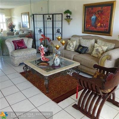 Deerfield Beach Condo/Townhouse For Sale: 253 Richmond F #253