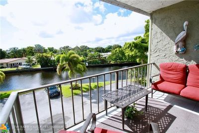 Wilton Manors Condo/Townhouse Backup Contract-Call LA: 3004 NE 5th Ter #305-C