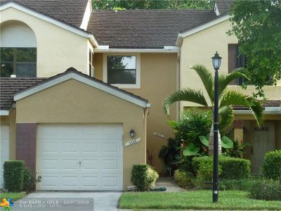 Plantation Condo/Townhouse For Sale: 9808 NW 1 Ct #9808