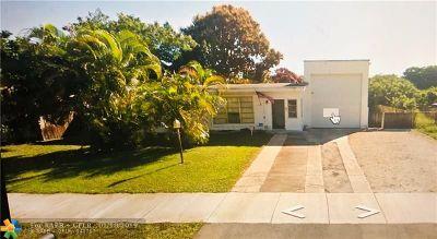 Pompano Beach Single Family Home For Sale: 1650 NE 44th St