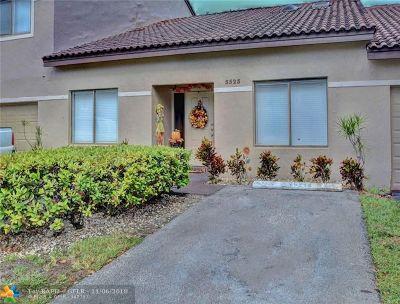 Lauderhill Condo/Townhouse For Sale: 3523 Inverrary Blvd #3523
