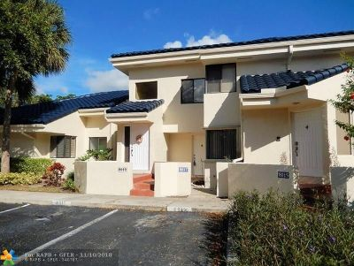 Plantation Condo/Townhouse Backup Contract-Call LA: 8017 NW 15th Mnr #8017