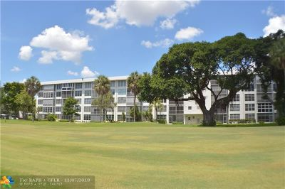Pompano Beach Condo/Townhouse For Sale: 3850 Oaks Clubhouse Dr #206