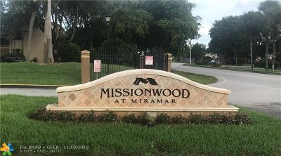 Miramar Condo/Townhouse For Sale: 8433 W Missionwood Dr #D-13