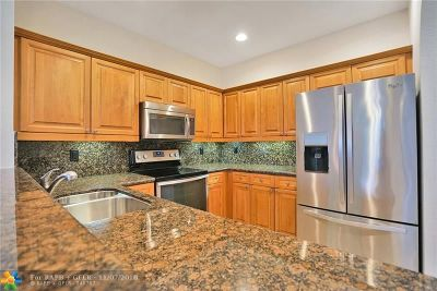 Boynton Beach Condo/Townhouse For Sale: 9486 S Military Trl #1