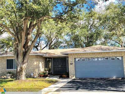 Lauderhill Single Family Home For Sale: 1090 NW 56th Ave
