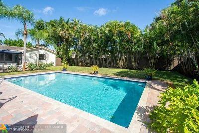 Broward County Single Family Home For Sale: 1556 NE 33rd St